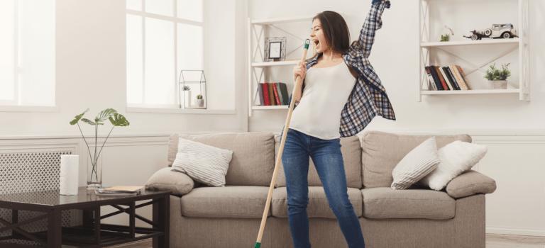 Limpar a casa reduz a ansiedade. Se inspire nesta matéria para viver melhor!