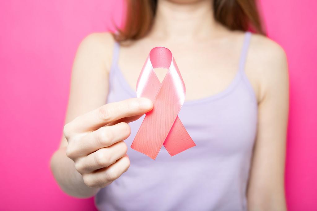 Outubro Rosa: a prevenção do câncer de mama em suas mãos