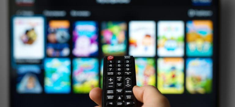 Descubra o porquê a sua sala precisa de uma Smart TV!